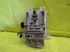 Блок предохранителей Toyota Rav 4 00-06г 18828