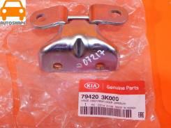 Петля двери Hyundai/Kia оригинал 794203K000
