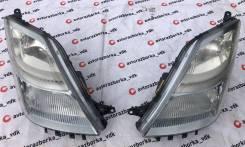 Фара Ксенон правая и левая на Toyota Prius NHW20