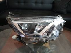Фара правая Toyota RAV4 40 15-19 галоген