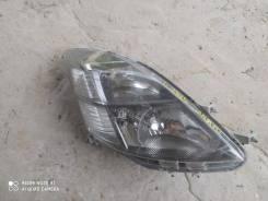 Фара Toyota 44-61 R ISIS ANM1# `04- п/ксенон, правая передняя