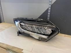 Фара правая Honda Vezel поздняя версия Оригинал Япония 100-62292