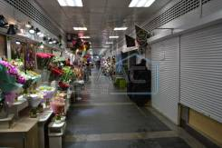 Помещение в торговом центре Пассаж, Центр города. 4,1кв.м., улица Светланская 21, р-н Центр