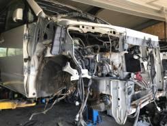 Передняя половинка Toyota VOXY AZR65 AZR60