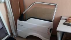 Продам дверь левую на автомобиль Nissan Vanette