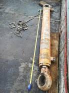Гидроцилиндр длина 190 см, диаметр 18 см, диаметр штока 9 см. Эскаватор