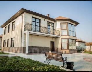 Продаётся отличный коттедж + банный комплекс на Барклая!. Барклая 28 в, р-н Заря, площадь дома 337,0кв.м., площадь участка 1 801кв.м., централизов...