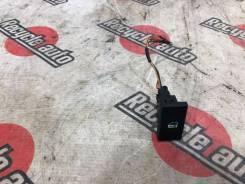 Кнопка центрального замка LAND Rover Discovery L318 YUF000220PUY