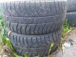Bridgestone. зимние, шипованные, б/у, износ 50%
