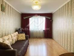 3-комнатная, улица Ладыгина 15. 64, 71 микрорайоны, проверенное агентство, 88,8кв.м.