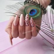 Покрытие ногтей лаком.