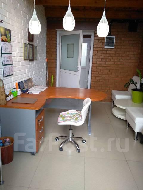 Продам помещение для офиса или услуг в Центре 24 . Улица Пригородная 1/1, р-н Железнодорожный, 19,7кв.м.
