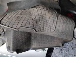 Коврик резиновый в багажник Toyota 95-2010гг