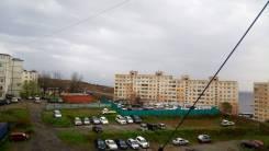 Гостинка, улица Добровольского 9. Тихая, частное лицо, 18,0кв.м. Вид из окна днем