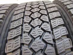 Bridgestone R202. зимние, без шипов, 2013 год, б/у, износ 20%
