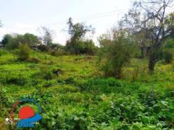 Продаю отличный земельный участок в живописном месте на Весенней. 700кв.м., собственность, вода. Фото участка
