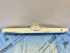 Молдинг крышки багажника Toyota Corolla Fielder 120 7680113151