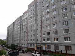 2-комнатная, улица Ватутина 4. 64, 71 микрорайоны, проверенное агентство, 55,0кв.м. Дом снаружи