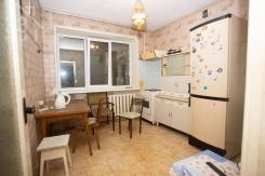 3-комнатная, улица Уборевича 28. Центр, агентство, 63,0кв.м.