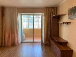 1-комнатная, улица Гоголя 43. Центральный, частное лицо, 37,0кв.м.