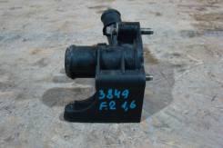 Фланец двигателя системы охлаждения Ford Focus II 2008-2011 [1221325] 1221325