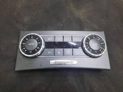 Блок управления климат контролем Mercedes-Benz C-class W204 A2049000715