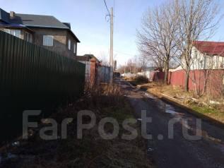 Продаем земельный участок в районе Выборгской. 1 000кв.м., собственность, электричество, вода
