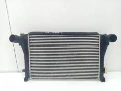 Интеркулер Volkswagen Tiguan 2 [5Q0145803R]