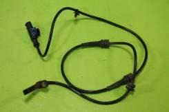 Датчик ABS передний (L=R) Nissan Note E11, Tiida C11 / March K12