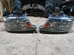Фара передняя правая на Honda STEP Wagon, ( Ксенон )