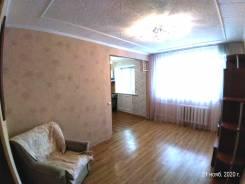 2-комнатная, улица Адмирала Кузнецова 42. 64, 71 микрорайоны, проверенное агентство, 41,3кв.м.