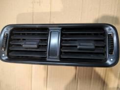 Дефлектор воздушный центральный Honda Accord 5 CC7