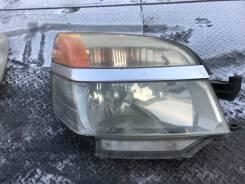 Фара передняя правая Toyota Voxy AZR65 1AZ-FSE