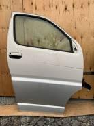 Дверь передняя правая (2FZ) Regius, Touring Hiace RCH47 KCH46
