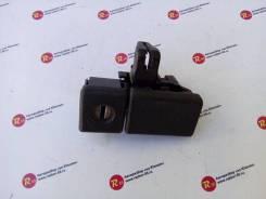Ручка замка бардачка Toyota Vista [55565-22020-03]