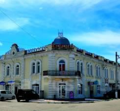 Отдельно стоящее здание в историческом центре в Уссурийске. Улица Калинина 43, р-н центр, 1 014,5кв.м.