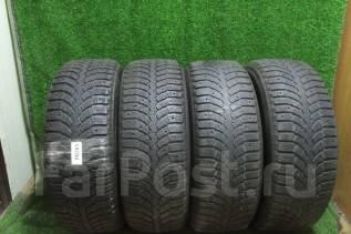 Bridgestone Blizzak Spike-01. зимние, 2016 год, б/у, износ 30%