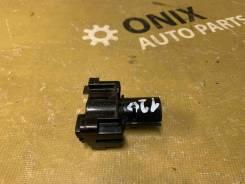 Кронштейн форсунки омывателя фары левой Toyota RAV4 [8520842060]