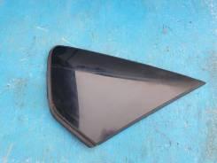Стекло собачника заднее правое Toyota Prius ZVW30 2Zrfxe 62710-47040