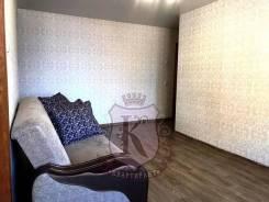 3-комнатная, улица Овчинникова 8. Столетие, агентство, 65,0кв.м. Комната