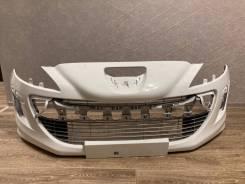 Передний бампер Peugeot 308 белый ДО Рестайлинг