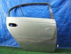 Дверь задняя правая Avensis AT221