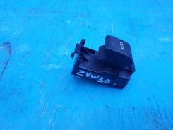 Кнопка стеклоподъемника пассажирская Toyota Prius ZVW30 2Zrfxe 84810-33120