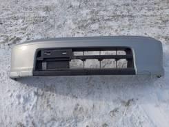 Передний бампер Nissan Cube AZ10