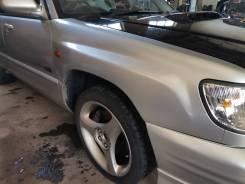 Переднее правое крыло Subaru Forester SF5 цвет 01G