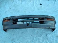Передний бампер Toyota Hiace KZH106 95года