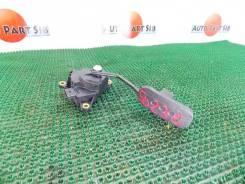 Педаль подачи топлива Nissan Tiida Latio