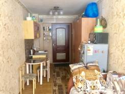 Комната, улица Владивостокская 29. 4 км, агентство, 13,5кв.м.