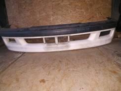 Бампер передний. 1996-1998г. в. Первая модель. Оригинальный.
