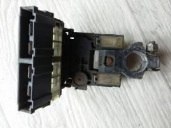 Клемма аккумулятора + с блоком предохранителей 243807994A Nissan Qashqai (J10)